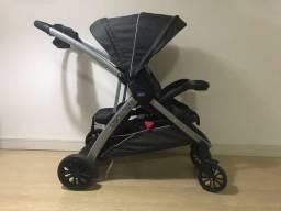Carrinho para bebê -Chicco( comprado a menos de 1 ano)