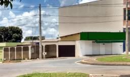 Cód. 6365 - Casa e Ponto de Comércio na Vila Jaiara - Anápolis/Go - Donizete Imóveis