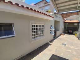 Vendo casa em São Lourenço/MG