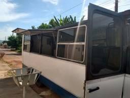 Vende-se micro-ônibus 608