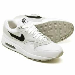 Tênis Nike Air Max 90/1 Novo na caixa PROMOÇÃO: 1 (Um) por R$299,99 ou 2 (Dois) R$549,99