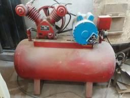 Título do anúncio: Compressor industrial 180 libras