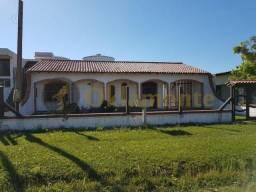 Casa de 2 dormitórios no centro de Cidreira/RS