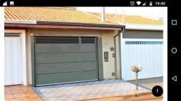 Vende-se belíssima casa