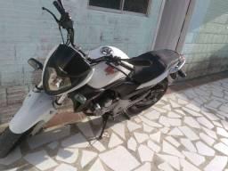 Vendo ou Troco Moto CB300R 2012