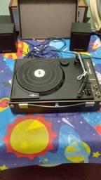 Vitrola vitrolinha antiga com toca discos, tipo maleta, revisada, ótimo estado geral