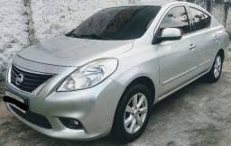 Nissan Versa SL 1.6 - Maior espaço interno da categoria