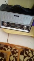 Radio antigo file am fm auxilio pendrav 110 vts e 220 a luz