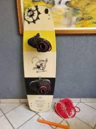 Prancha WAKEBOARD + BOTAS SLINGSHOT + handle de presente