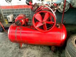 Compressor de ar Wayne trifásico 5cv 250L