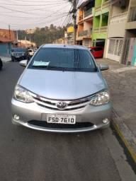 Toyota Etios 2014 completo