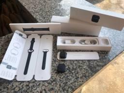 Vendo Apple Watch Série 5 Preto 40mm- ESTADO DE NOVO- NA Garantia Apple- SOU DE JIPA