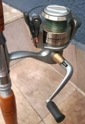 Vara pesca com molinete semi nova