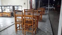 Vendo dez mesas com cadeiras muito nova comprada á dois meses
