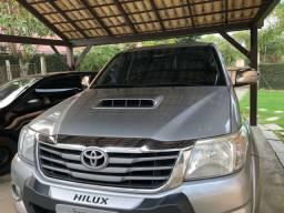 Vendo Toyota Hilux Cab. Dupla - SRV 2015