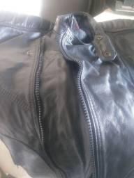 Jaqueta de couro um mês de uso