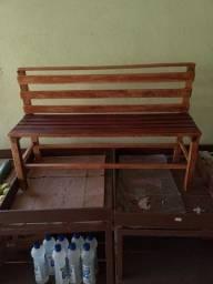 Banquinho de madeira pra criança