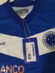 Camisa Cruzeiro 2011 na etiqueta
