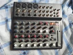 Mesa de som Behringer Xenyx 1202FX