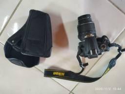 Vendo Máquina Fotográfica Nikon D 5000,nova na caixa,2 lentes,filtros,tripé,manual