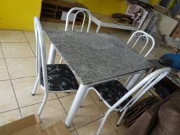 mesa retangular 04 cadeiras. nova