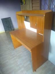 Vendo escrivaninha de madeira