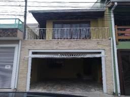 Excelente sobrado bem localizado no Bairro Uberaba 3 dormitórios