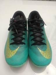 Chuteira Nike cravo Semi Nova 36 / 37