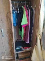 Guarda roupa silteiro