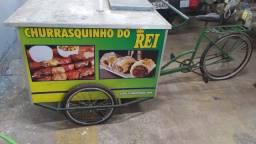 Bicicleta multiutilidades com compartimento térmico para bebidas seminova