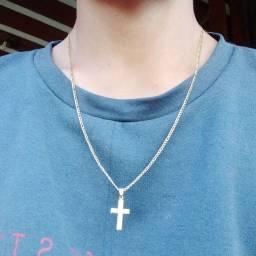 Corrente crucifixo folheado a ouro