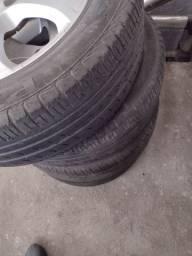 Roda pneu em perfeito estado aro 15 cinco furos