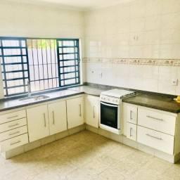 Casa para locação no bairro Trujillo, Sorocaba, 4 dormitórios sendo 1 suíte