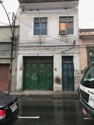 Centro ? Apartamento de Sala 1 Quarto cozinha banheiro e área R$ 600,00