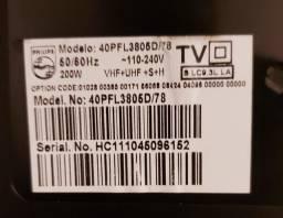 Tv Philips para retirada de peças.