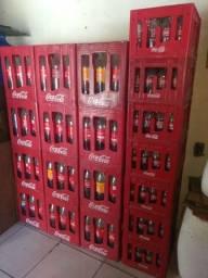 Caixas de coca retornáveis e coca ks