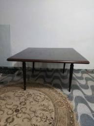 Vendo mesas em madeira