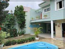 Título do anúncio: Casa com 2 pisos independentes no Centrinho da Lagoa