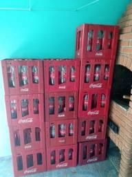 Caixas de coca retornável 2 litros