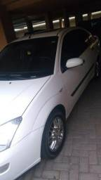Ford Focus 2.0 Ghia - 2001