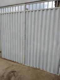 Portão Branco Usado Duas Partes