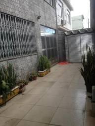 Casa à venda com 6 quartos por R$ 900.000,00 Jardim América - RJ