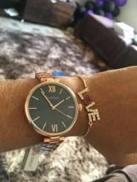 Relógio Curren Feminino - A Prova D'água