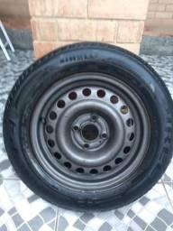 Aro 14 com pneu Pirelli p4