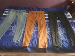 3 calças em bom estado por 50 reais