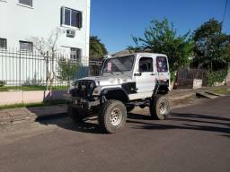 Jeep willys preparado para trilhas