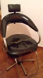 Cadeira de cabeleireiro e manicure
