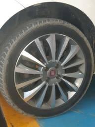 Roda original Fiat Linea 225/45 17.