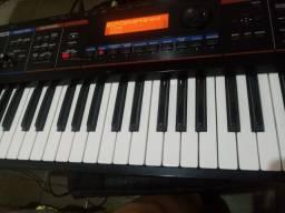 Teclado sintetizador Juno di da Holand