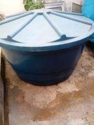 Caixa d'água pra reforma . valor R$ 150,00 interessa chamar no *18
